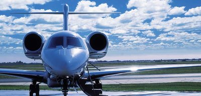 Advantages Of Chartering A Private Jet to an airport
